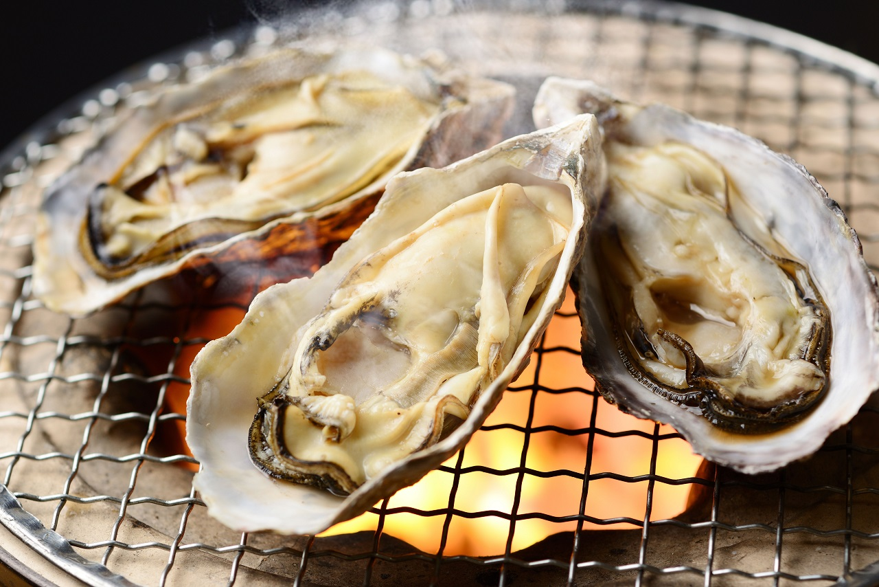 grilled-Japanese-oyster